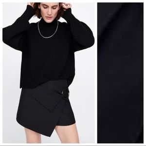 NWT. Zara Black Bermuda Skort. Size L.